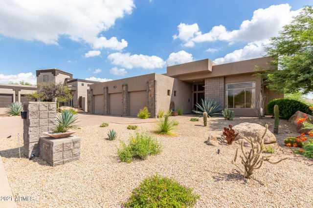Photo of 9707 E CINDER CONE Trail, Scottsdale, AZ 85262