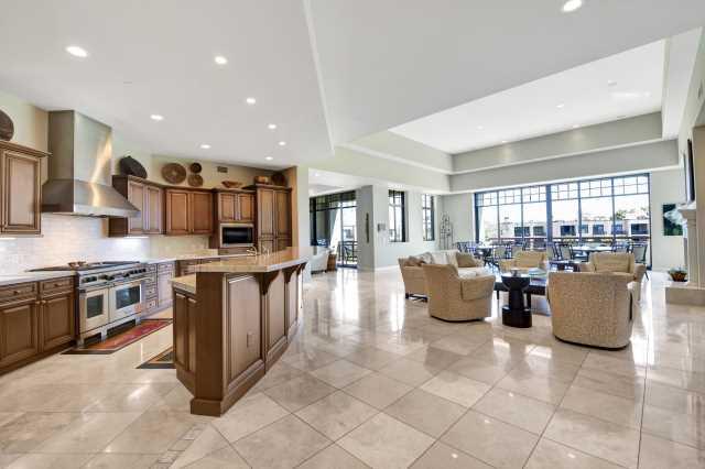 Photo of 2 BILTMORE Estate #314, Phoenix, AZ 85016