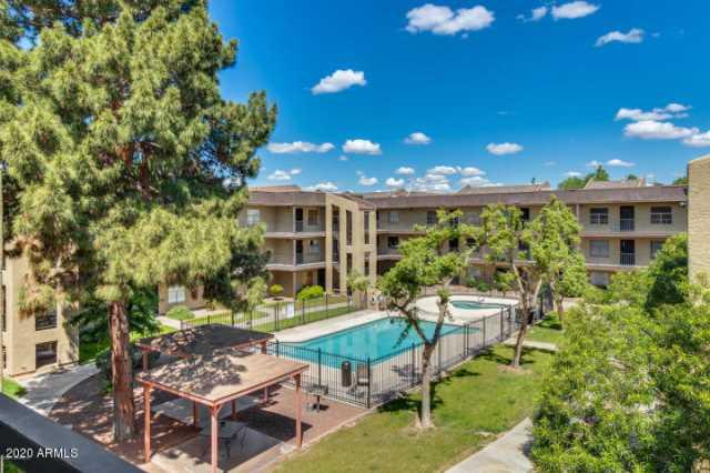 Photo of 461 W HOLMES Avenue #382, Mesa, AZ 85210