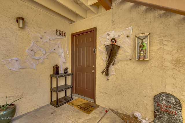 Photo of 2121 W ROYAL PALM Road #1054, Phoenix, AZ 85021