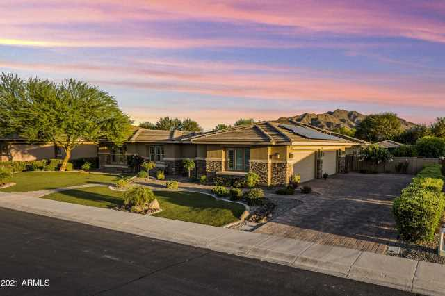 Photo of 3057 E LA COSTA Drive, Gilbert, AZ 85298