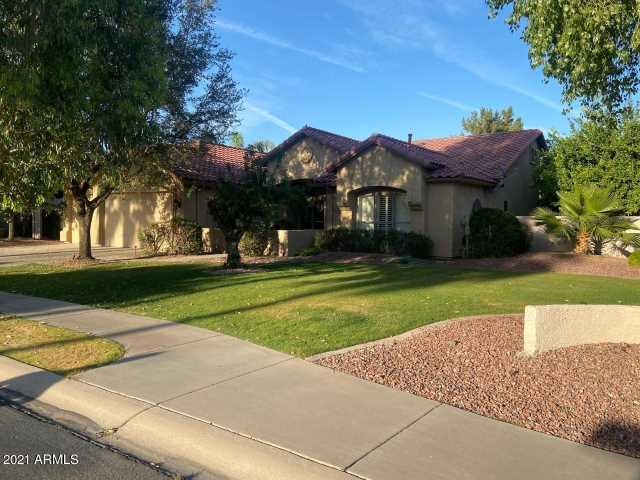 Photo of 4983 S MEADOWS Place, Chandler, AZ 85248