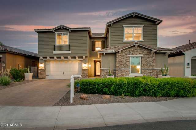 Photo of 2915 E MADISON VISTAS Drive, Phoenix, AZ 85016