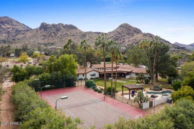 Photo of 5724 E MOCKINGBIRD Lane, Paradise Valley, AZ 85253