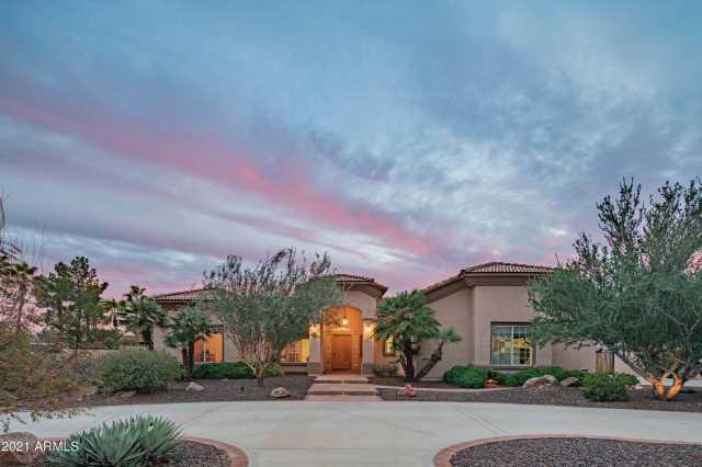 Photo of 5621 W SOFT WIND Drive, Glendale, AZ 85310