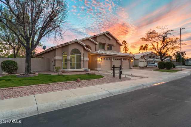 Photo of 6557 W LONE CACTUS Drive, Glendale, AZ 85308