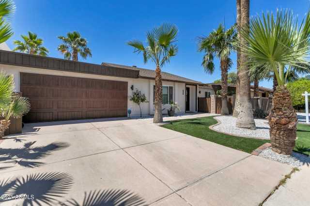 Photo of 8681 E LATHAM Street, Scottsdale, AZ 85257