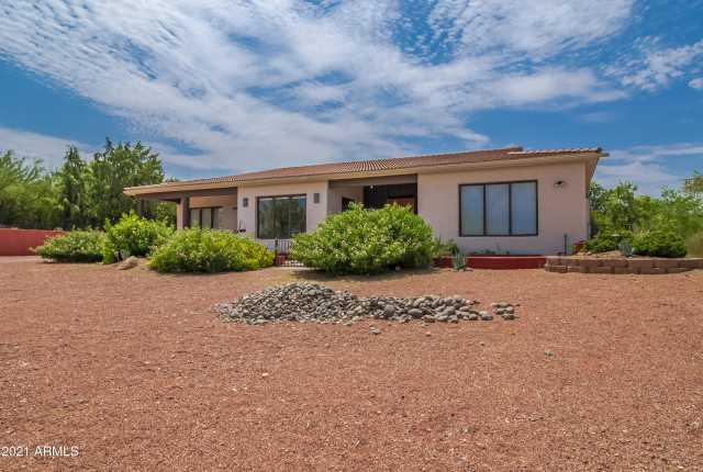 Photo of 1305 W PALO VERDE Drive, Wickenburg, AZ 85390