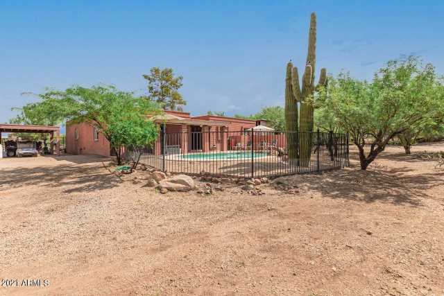 Photo of 118 W DESERT HILLS Drive, Phoenix, AZ 85086