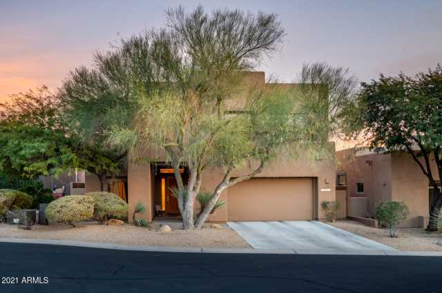 Photo of 10867 E White Feather Lane, Scottsdale, AZ 85262