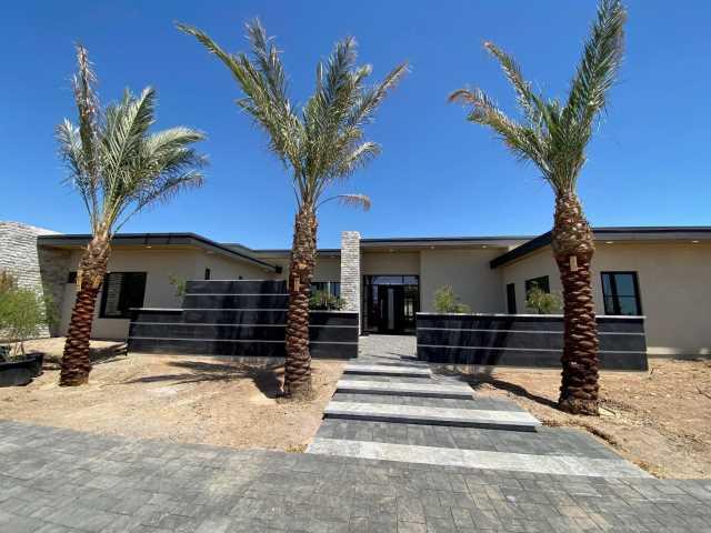 Photo of 3420 E MARLETTE Avenue, Paradise Valley, AZ 85253