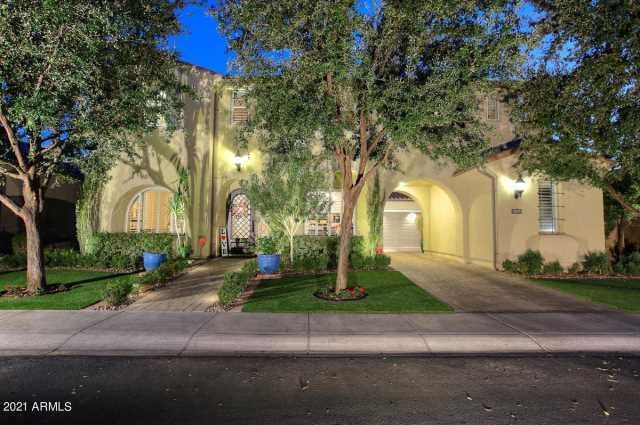Photo of 1131 W YOSEMITE Place, Chandler, AZ 85248