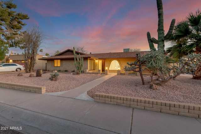 Photo of 3427 E MINNEZONA Avenue, Phoenix, AZ 85018