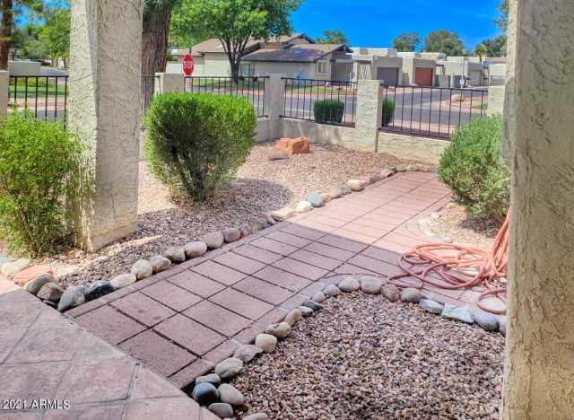 Photo of 2942 W sierra Street, Phoenix, AZ 85029