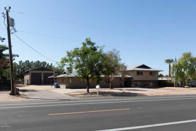 Photo of 4511 W PARADISE Lane, Glendale, AZ 85306