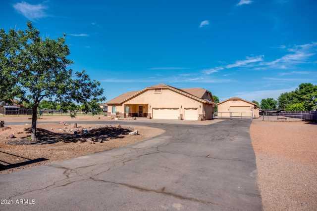 Photo of 3120 S EAGLE Drive, Chandler, AZ 85286