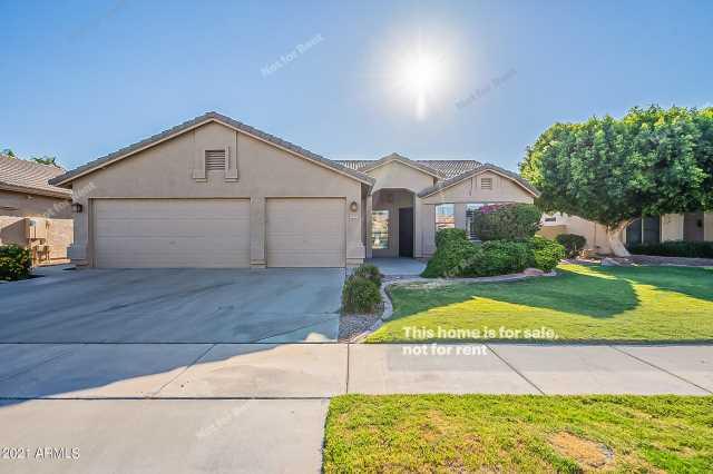 Photo of 4910 S ROSEMARY Drive, Chandler, AZ 85248