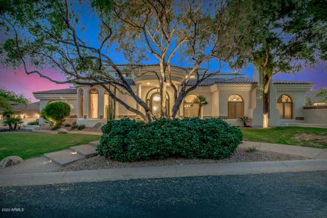 Photo of 1330 E DESERT WILLOW Drive, Phoenix, AZ 85048