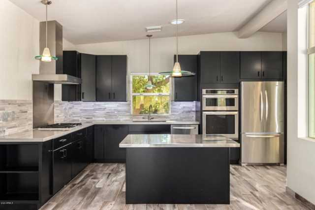 Photo of 10250 N 64TH Place, Paradise Valley, AZ 85253