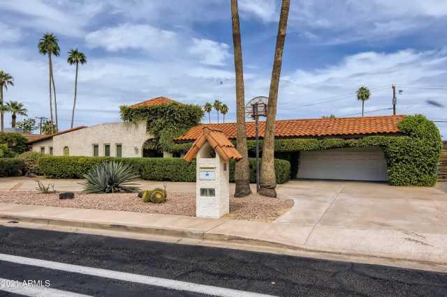 Photo of 112 W MOON VALLEY Drive, Phoenix, AZ 85023