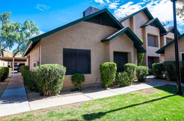 Photo of 4805 W LOMA Lane, Glendale, AZ 85302