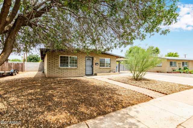 Photo of 385 N COMANCHE Drive, Chandler, AZ 85224