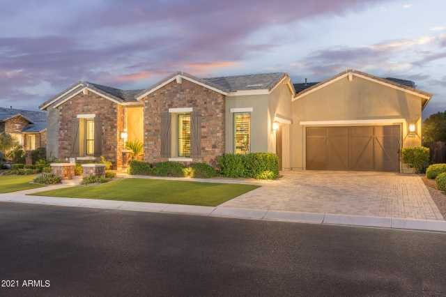 Photo of 2539 E HAYMORE Street, Gilbert, AZ 85298