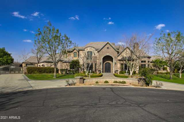Photo of 2866 E ROBIN Court, Gilbert, AZ 85296