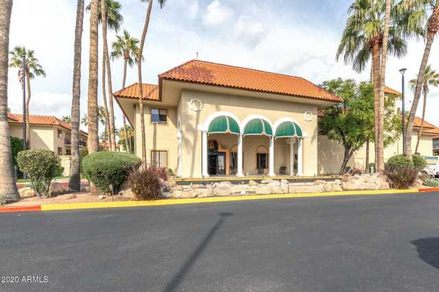 Photo of 10330 W THUNDERBIRD Boulevard #C109, Sun City, AZ 85351