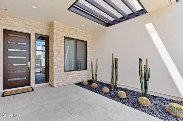 Photo of 5553 E STELLA Lane, Paradise Valley, AZ 85253
