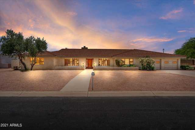 Photo of 4305 W JUPITER Way, Chandler, AZ 85226