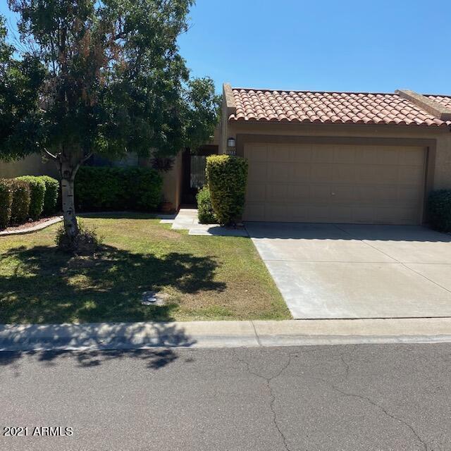 Photo of 9727 W KERRY Lane, Peoria, AZ 85382