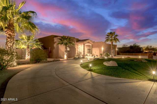 Photo of 9717 W CAMINO DE ORO Drive, Peoria, AZ 85383