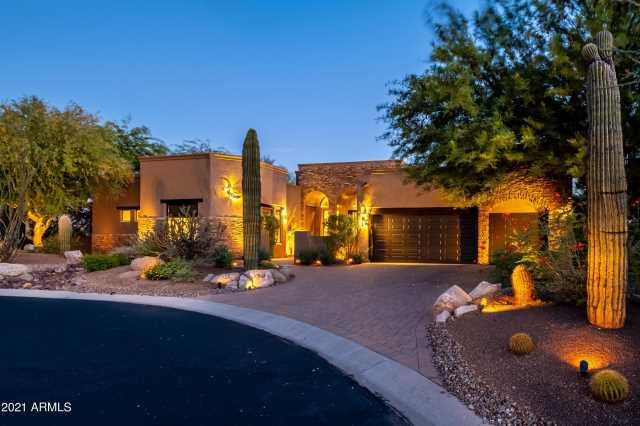 Photo of 10963 E SUTHERLAND Way, Scottsdale, AZ 85262