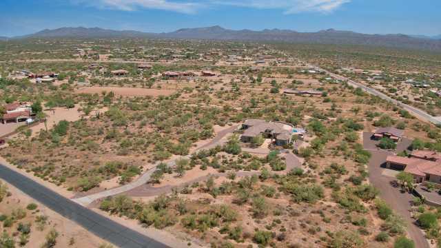 Photo of 14310 E LOWDEN Court, Scottsdale, AZ 85262
