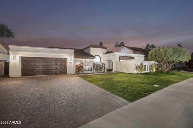 Photo of 9675 E CINNABAR Avenue, Scottsdale, AZ 85258