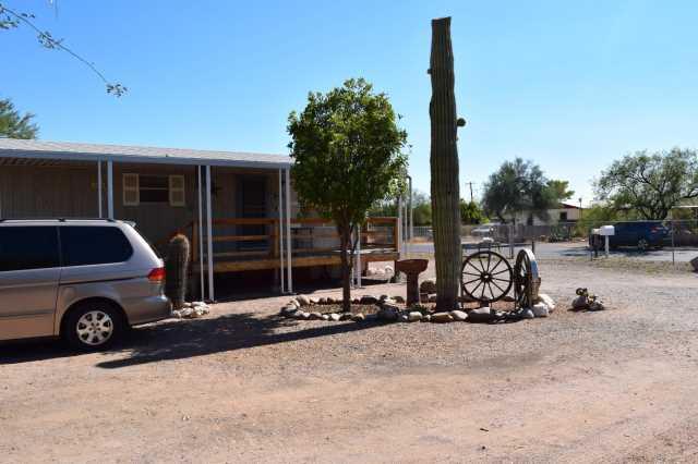 Photo of 715 S PINAL Drive, Apache Junction, AZ 85120
