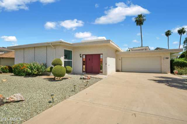 Photo of 13805 N WHISPERING LAKE Drive, Sun City, AZ 85351