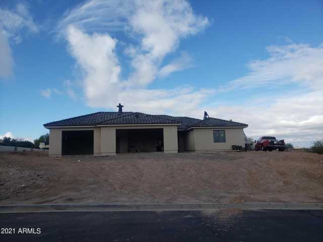 Photo of 430 MESA VERDE Drive, Wickenburg, AZ 85390