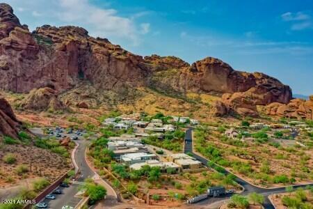 Photo of 5811 N ECHO CANYON Circle, Phoenix, AZ 85018