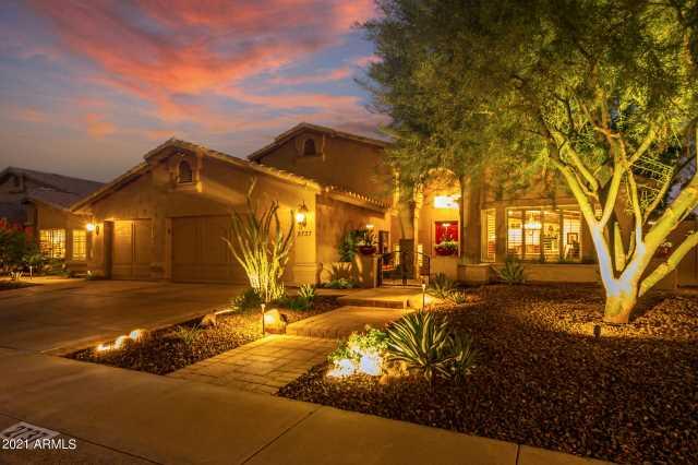 Photo of 2737 E BIGHORN Avenue, Phoenix, AZ 85048