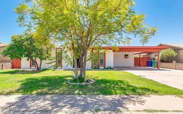 Photo of 1745 W CAPRI Avenue, Mesa, AZ 85202