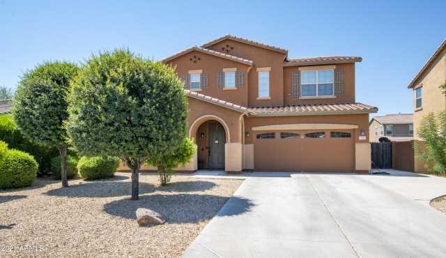 Photo of 15021 W GLENROSA Avenue, Goodyear, AZ 85395