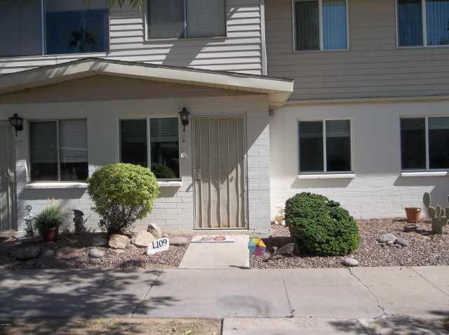 Photo of 8221 E GARFIELD Street #L109, Scottsdale, AZ 85257