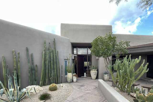 Photo of 10674 E HONEY MESQUITE Drive, Scottsdale, AZ 85262