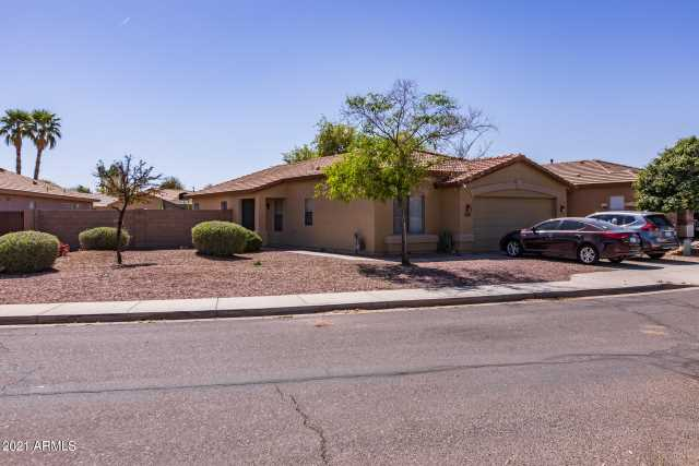 Photo of 33175 N CAT HILLS Avenue, Queen Creek, AZ 85142