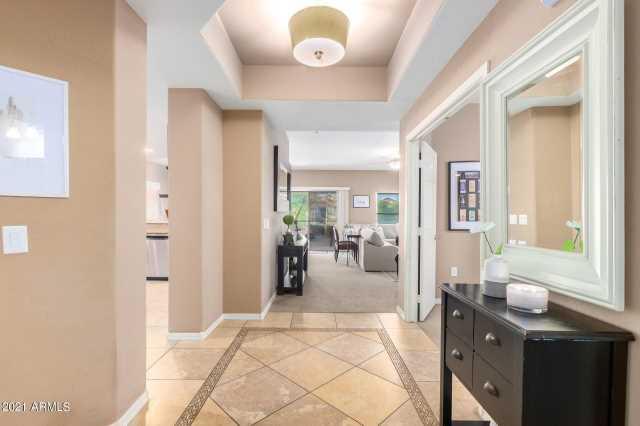 Photo of 20121 N 76TH Street #2022, Scottsdale, AZ 85255
