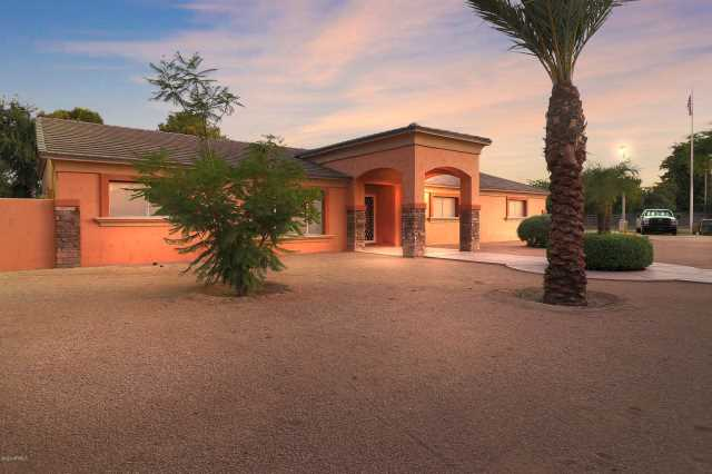 Photo of 4319 W Country Gables Drive, Glendale, AZ 85306