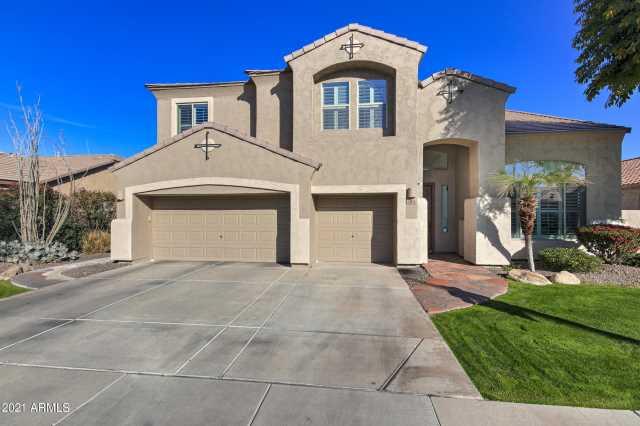 Photo of 284 W BLUEBIRD Drive, Chandler, AZ 85286