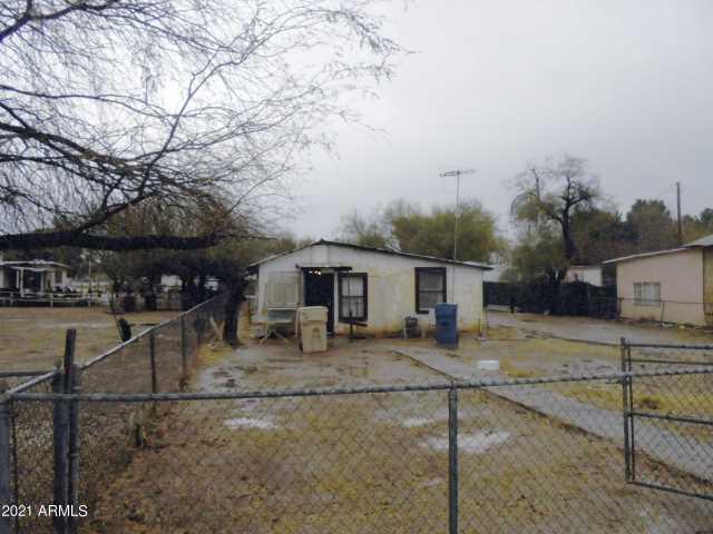 Photo of 620 E IRWIN Avenue, Buckeye, AZ 85326